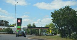 Texaco Filling Station, A1 - Geograph - 4660180.jpg