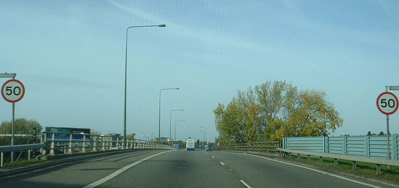 File:Start of M1 northbound - Coppermine - 9114.jpg