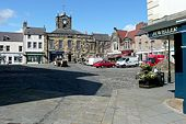 Alnwick Market Place - Geograph - 1521772.jpg