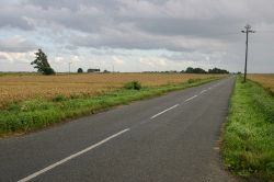 Ibberson's Drove down to Bettys Nose farm - Geograph - 498355.jpg