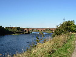 Northside Bridge over the Derwent - Geograph - 571476.jpg