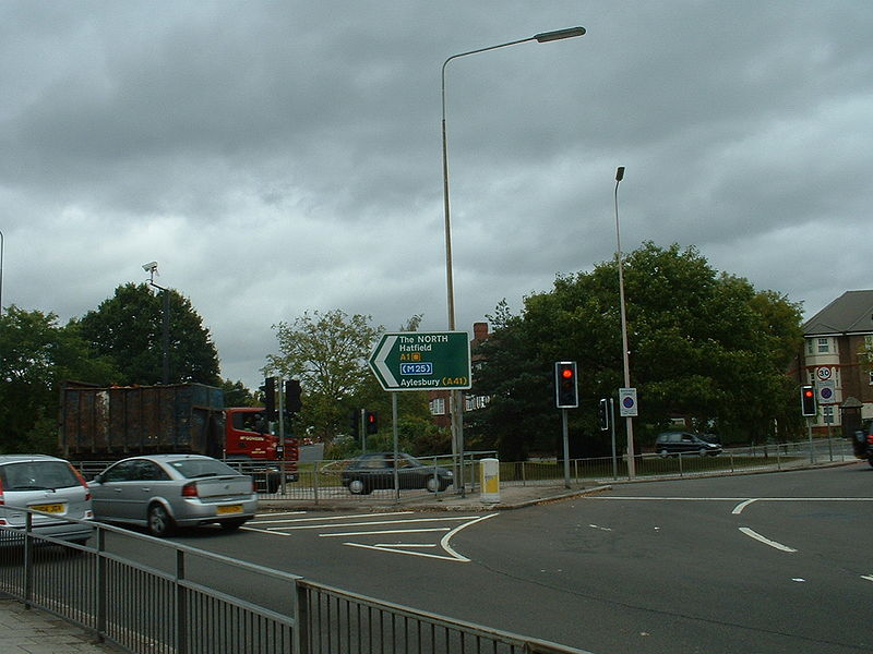 File:A1 Mill Hill Circus - Coppermine - 15306.JPG