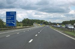 M4 eastbound near Junction 17 (1) - Geograph - 1992126.jpg